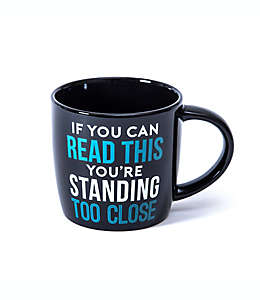 """Taza Giftcraft """"Standing too close"""" color negro"""