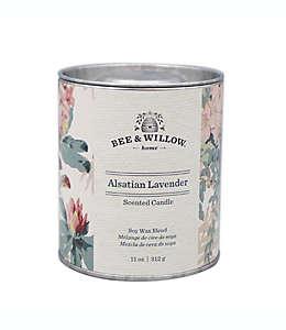 Vela en lata Bee & Willow™ Home Core Aslatian Lavender™ de 311.84 g