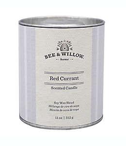 Vela en lata Bee & Willow™ Home Core Red Currant™ de 311.84 g