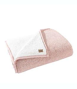 Frazada de poliéster UGG® Classic color rosa cuarzo