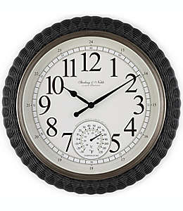 Reloj de pared de ratán tejido Sterling & Noble™ para exteriores, 50.8 cm
