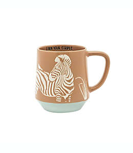 "Taza de cerámica Wild Sage™ con frase ""Earn Your Stripes"", 532.32 mL"