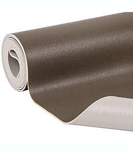 Forro para repisas de plástico Simply Essential™ Solid Grip color café
