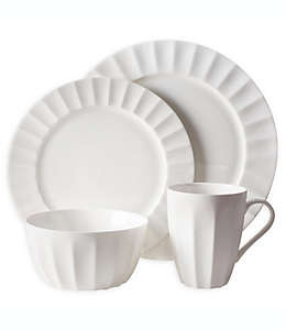 Vajilla de porcelana Fitz and Floyd® Nevaeh White® con diseño acanalado, Set de 4 piezas