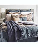 Set de edredón queen de poliéster Hallmart Collectibles Courtland color azul pizarra/oro, 14 piezas