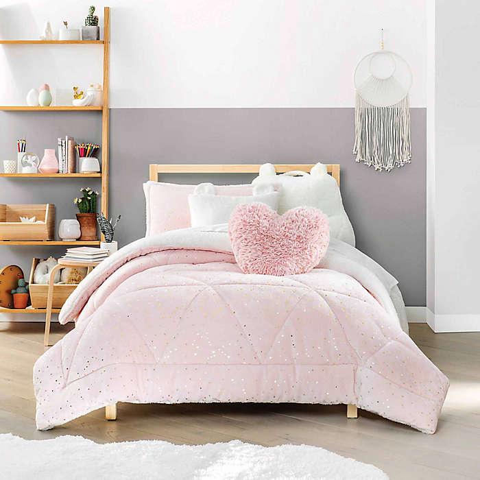 Juego de edredón matrimonial/queen de poliéster UGG® Maisie color rosa, 3 pzas.