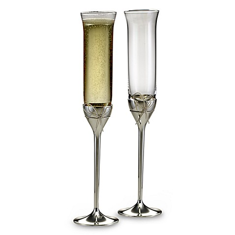 Vera Wang Wedgwood® Love Knots Toasting Flutes (Set of 2)