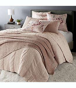 Cojín decorativo tamaño europeo O&O by Olivia & Oliver™ con diseño floral en rosa blush