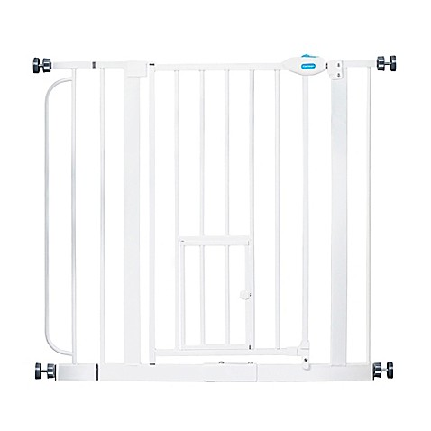 Carlson Extra Wide Walk Through Gate In White Bed Bath