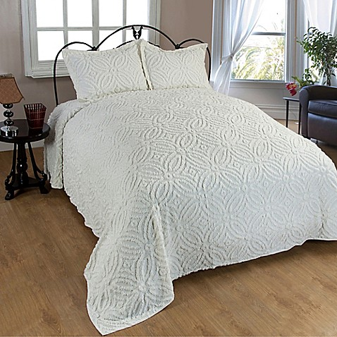 Wedding Ring Chenille Bedspread In Ivory