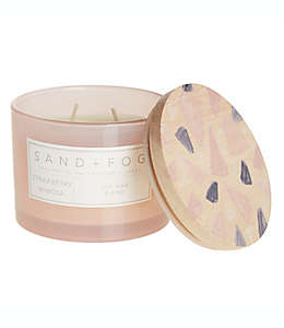 Vela en vaso de vidrio Sand + Fog® Strawberry Mimosa con tapa de madera