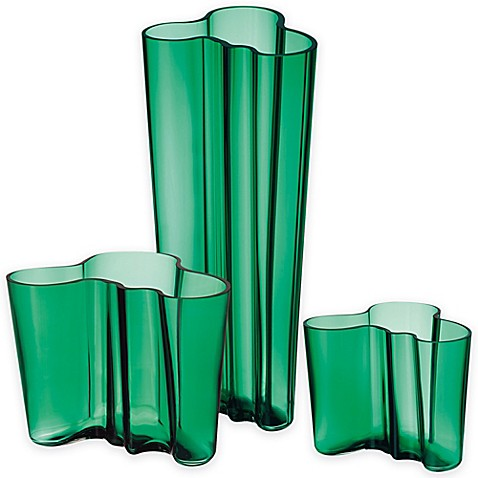 iittala alvar aalto finlandia vase in emerald bed bath. Black Bedroom Furniture Sets. Home Design Ideas