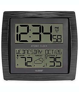 La Crosse Technology Reloj atómico de pared digital en negro