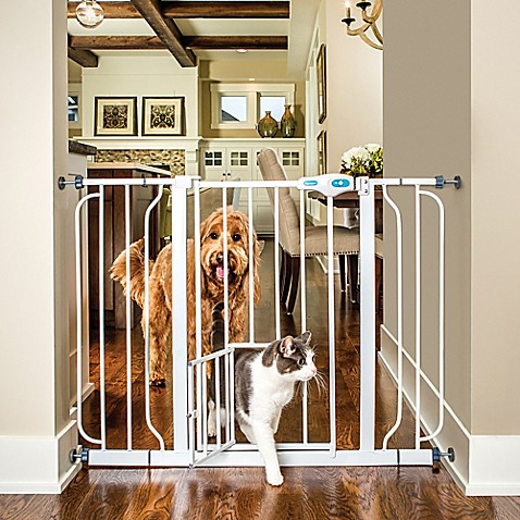 Carlson Extra Wide Walk Through Gate With Small Pet Door
