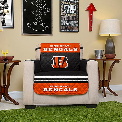 Nfl cincinnati bengals chair cover bed bath beyond for Nfl furniture covers