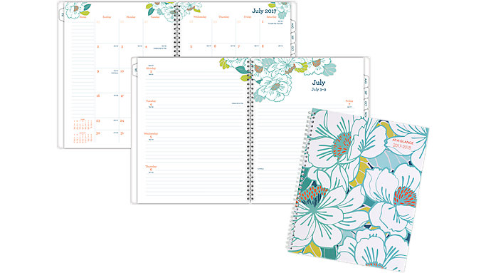 AT-A-GLANCE Mia Academic Weekly-Monthly Planner  (1018-905A)