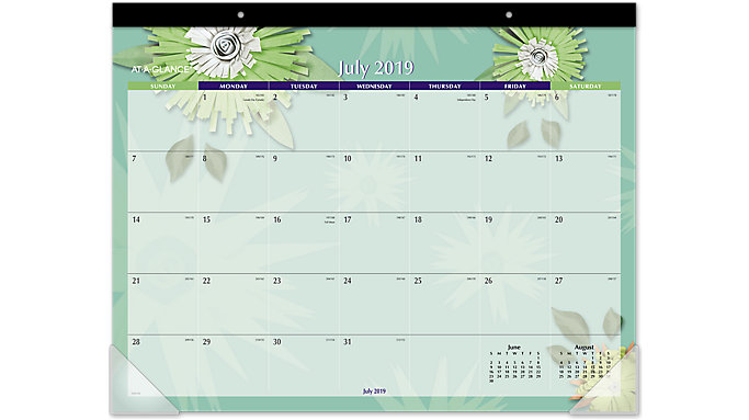 AT-A-GLANCE Paper Flowers Academic Desk Pad  (5035A)