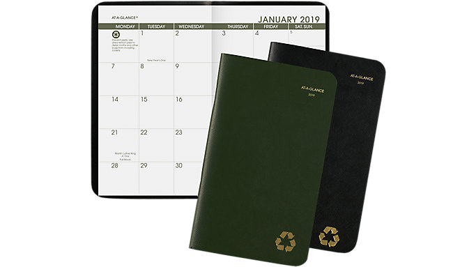 AT-A-GLANCE Recycled 2-Year Planner  (70024G)