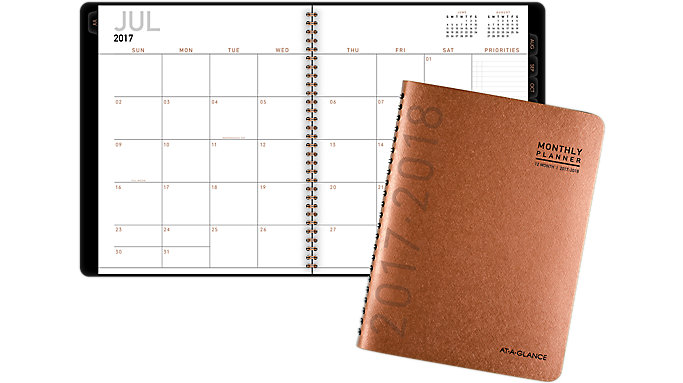 AT-A-GLANCE Contempo Monthly Academic Planner  (70074X)