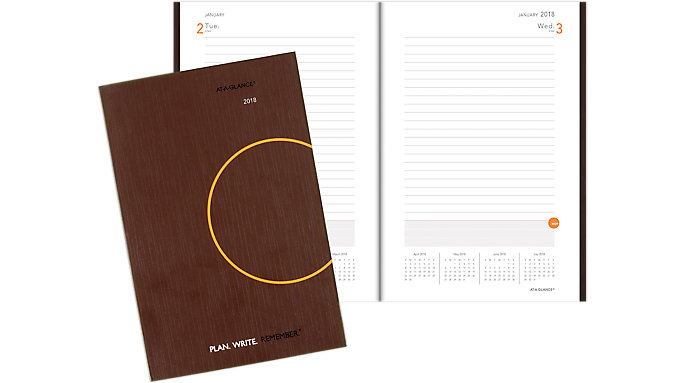AT-A-GLANCE PLAN. WRITE. REMEMBER. 1-Day-Per-Page Planning Notebook  (706201)