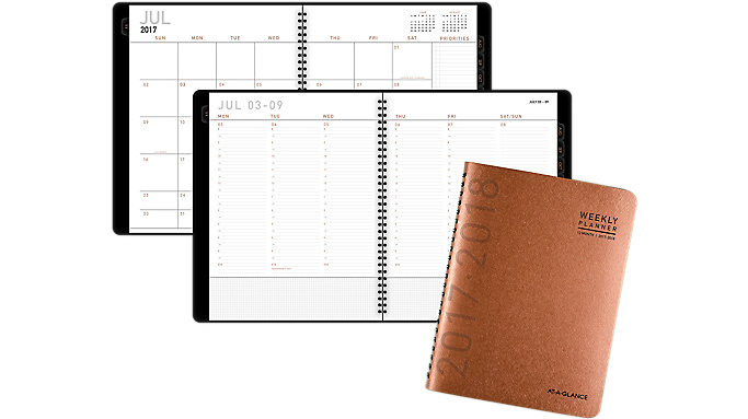 AT-A-GLANCE Contemporary Academic Weekly-Monthly Appointment Book-Planner  (70957X)