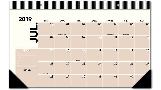 Emily + Meritt  Academic The Compact Desk Pad Calendar  (EM200-705A)