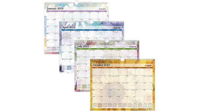 AT-A-GLANCE Dreams Monthly Wall Calendar  (PM83-707)