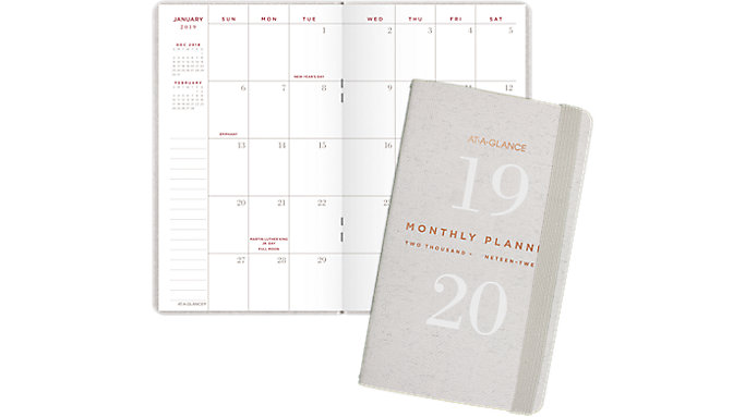 AT-A-GLANCE Signature Collection 2-Year Monthly Pocket Planner  (YP021)