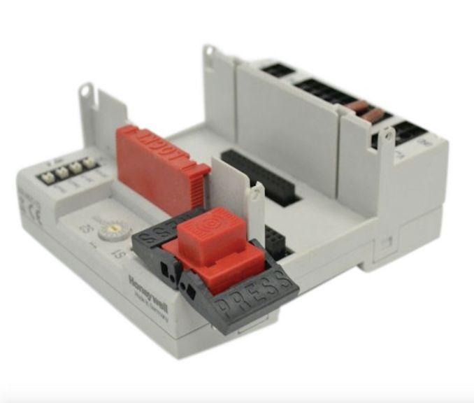 XSU Screw-Type Terminal Socket