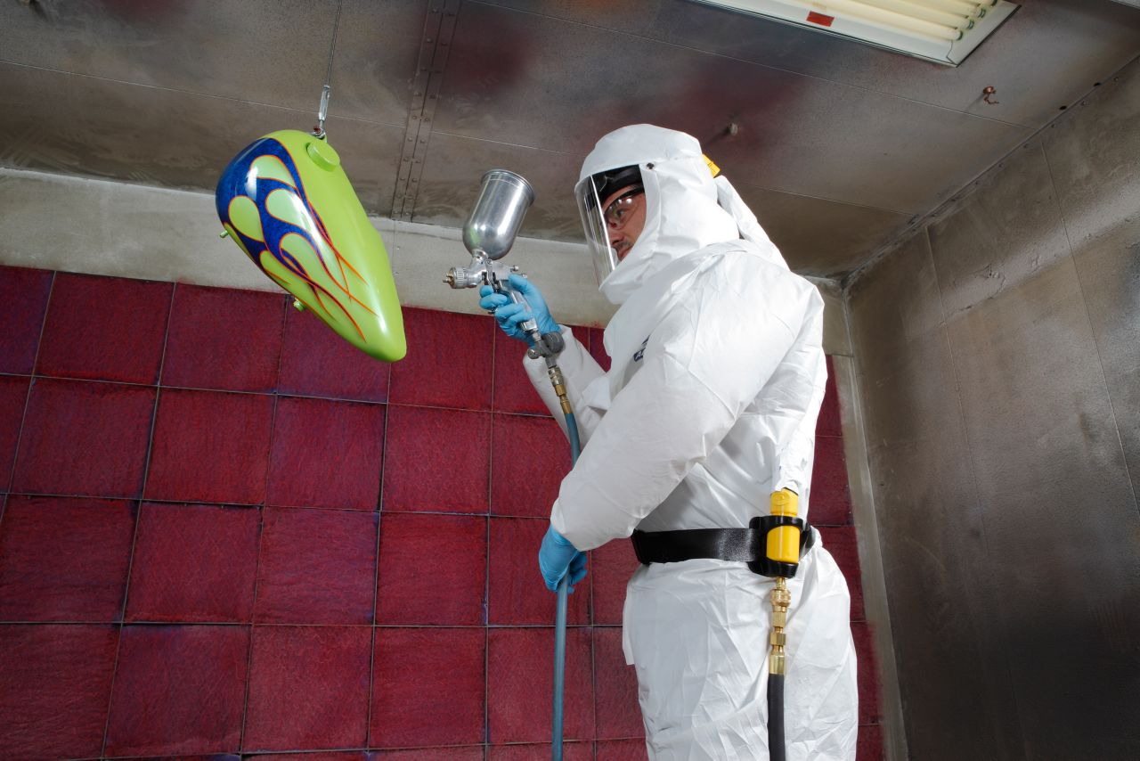 CF1000 with worker in spray booth