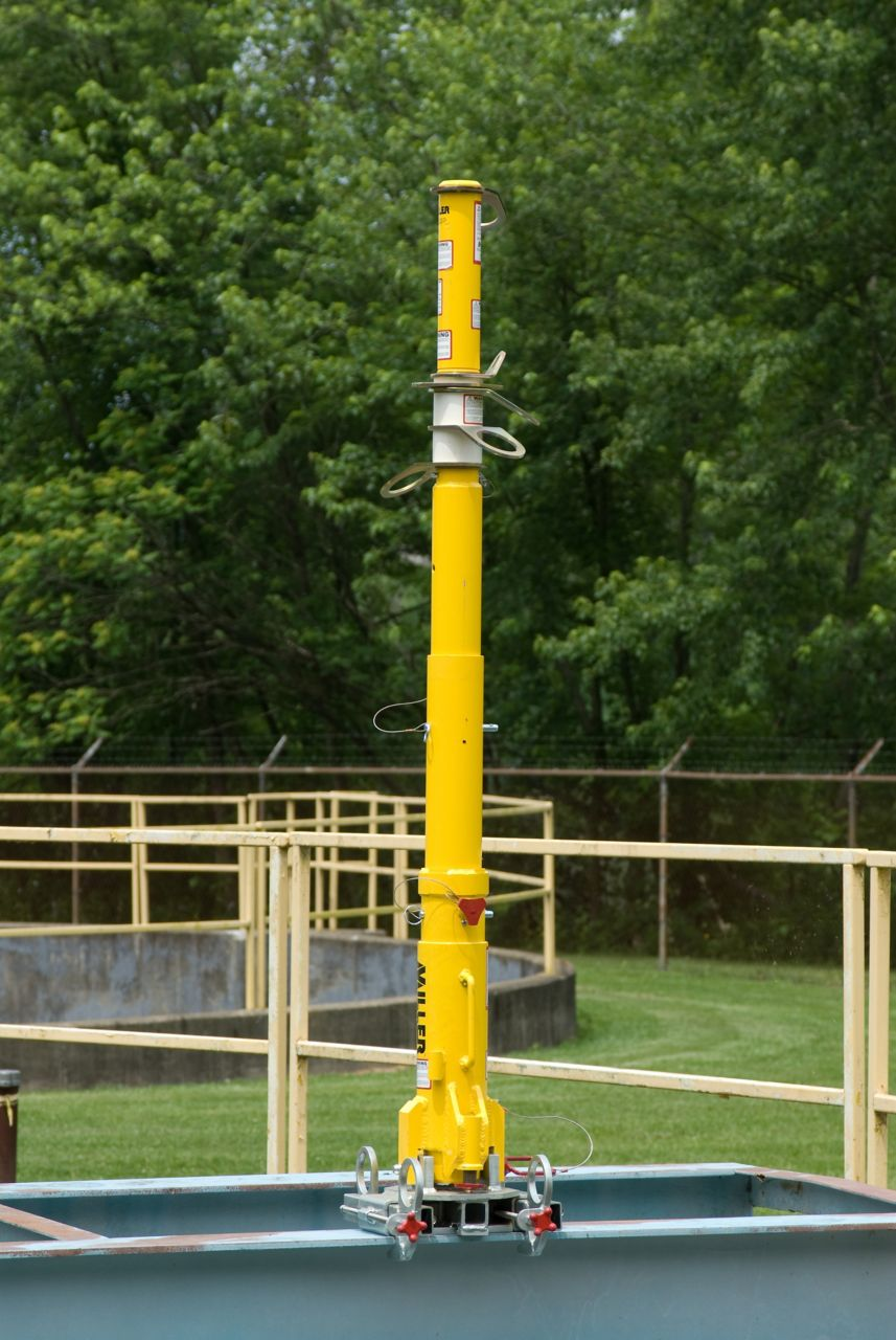 Miller DuraHoist™ Portable Fall Arrest Post and Extension Post_2