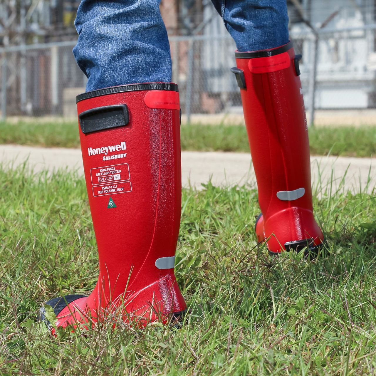 sps-his-electrigrip-boots-grass