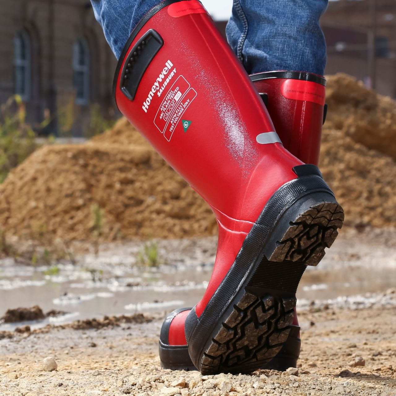 sps-his-electrigrip-boots-walking-on-gravel