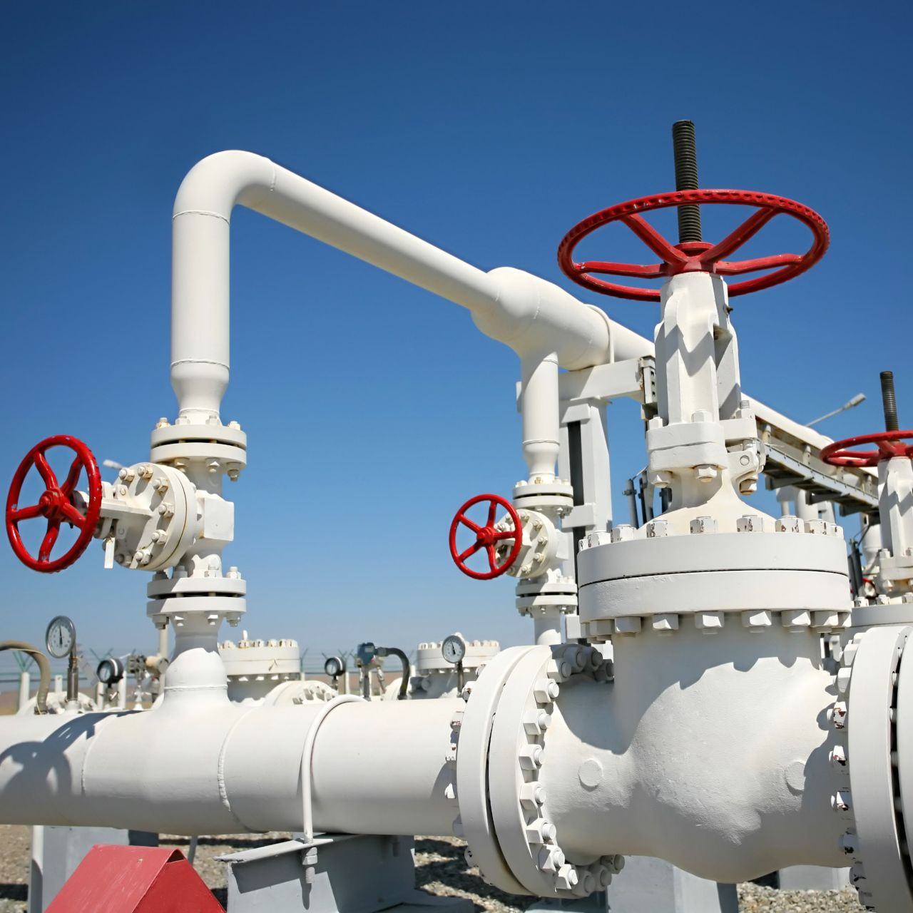 sps-his-gci-oil-gas-processing-plant-sstk-138247598