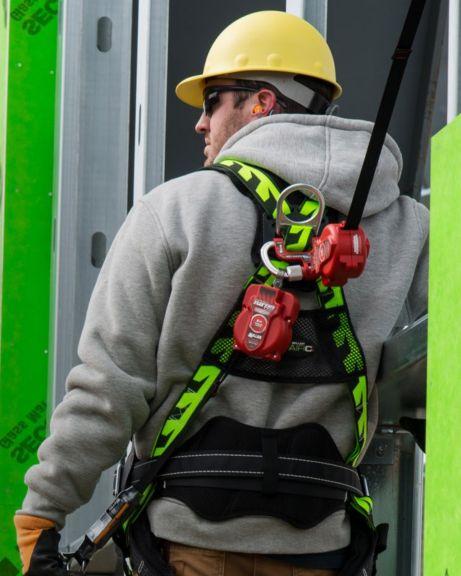 Cinturões tipo paraquedista, cintas e acessórios