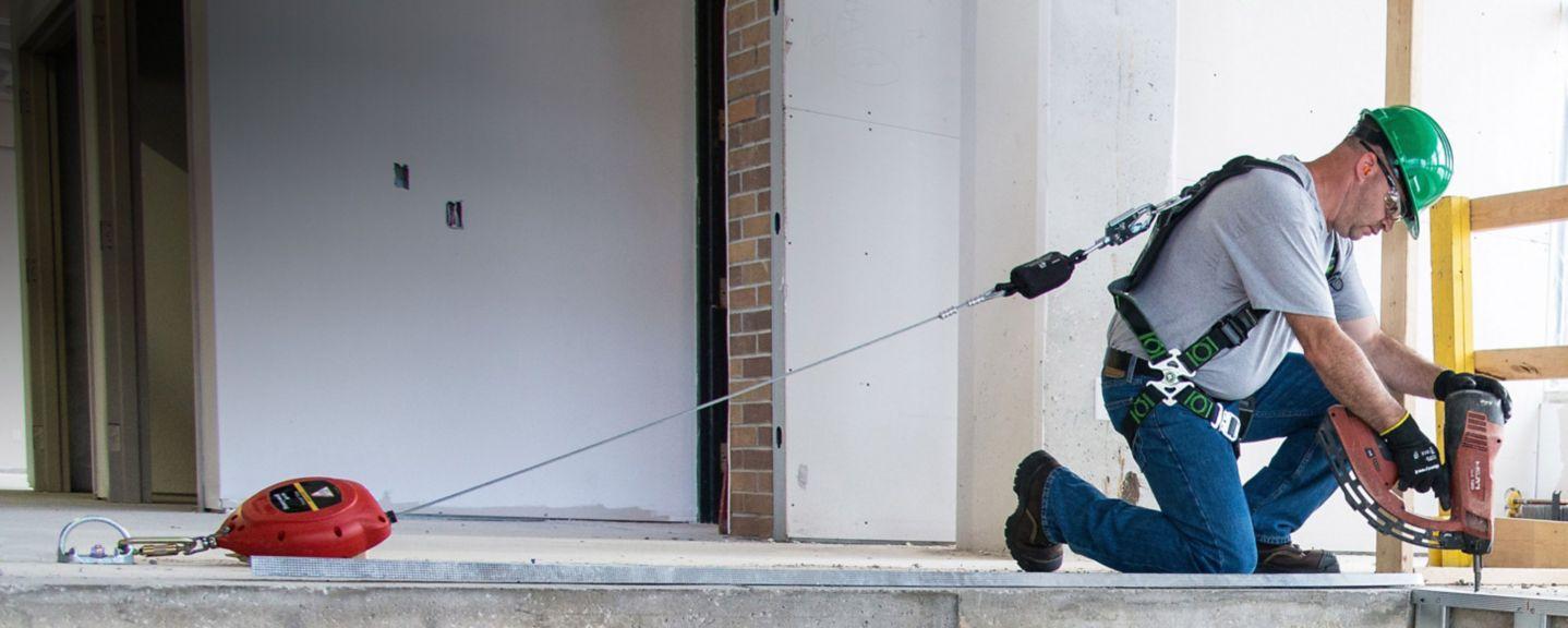 自动收缩救生索和个人防坠落限制器