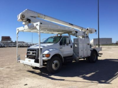 Altec AA600-MH Material Handling Bucket Truck On 2006 Ford F750