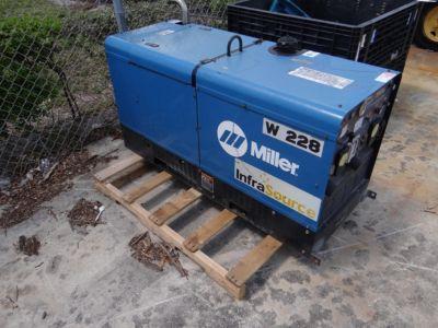Miller Pipe Pro 304 Welder 18916
