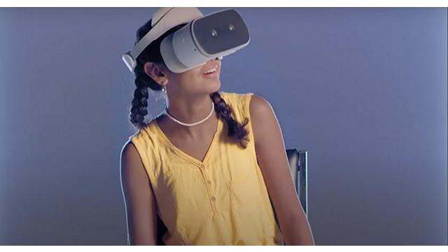 Lenovo Foundation girl with VR headset