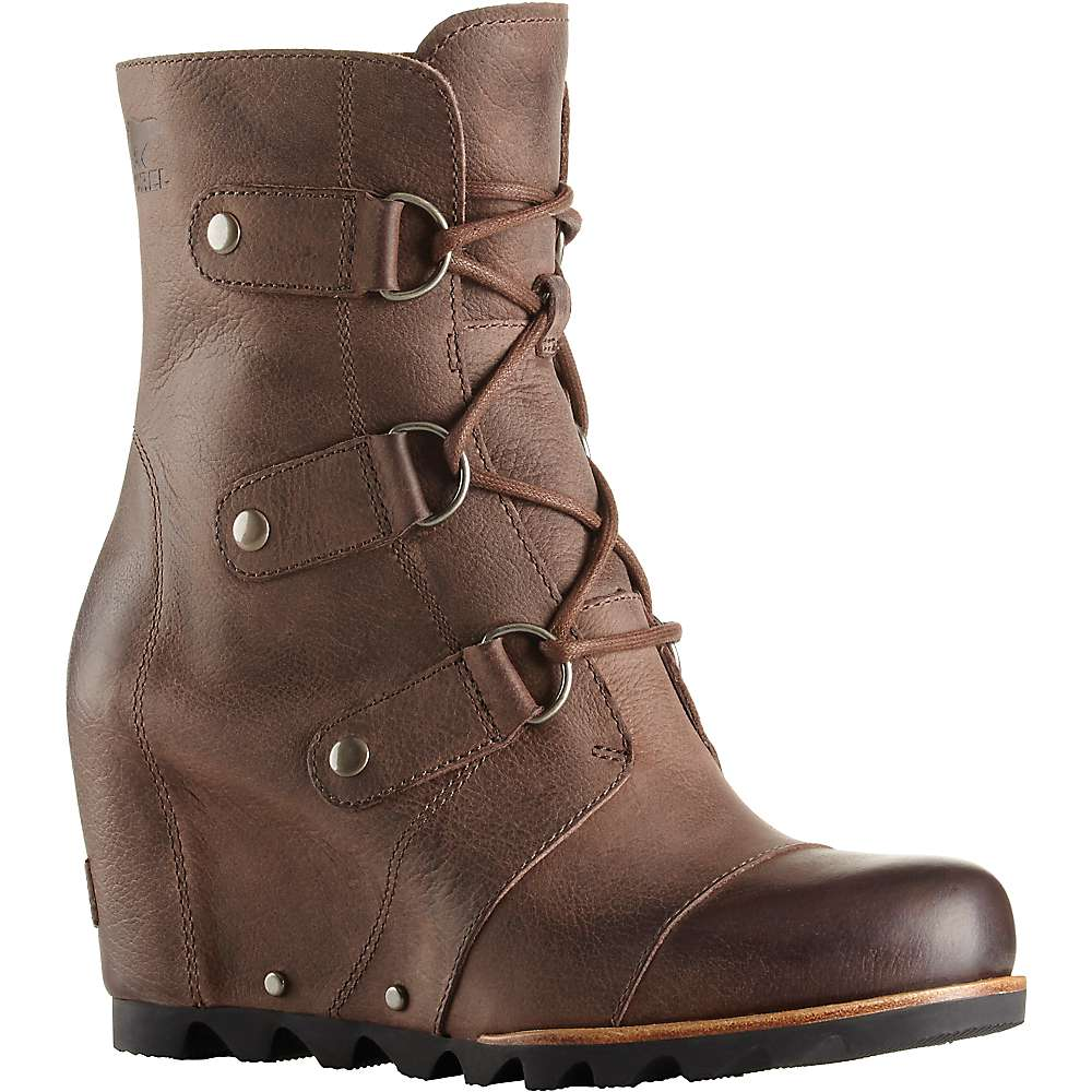 From summer to spring, women's boots from Payless come in all the styles and sizes you need at the prices you love! Our women's rain boots will get you through watery days while our winter boots and snow boots will keep you comfortable.