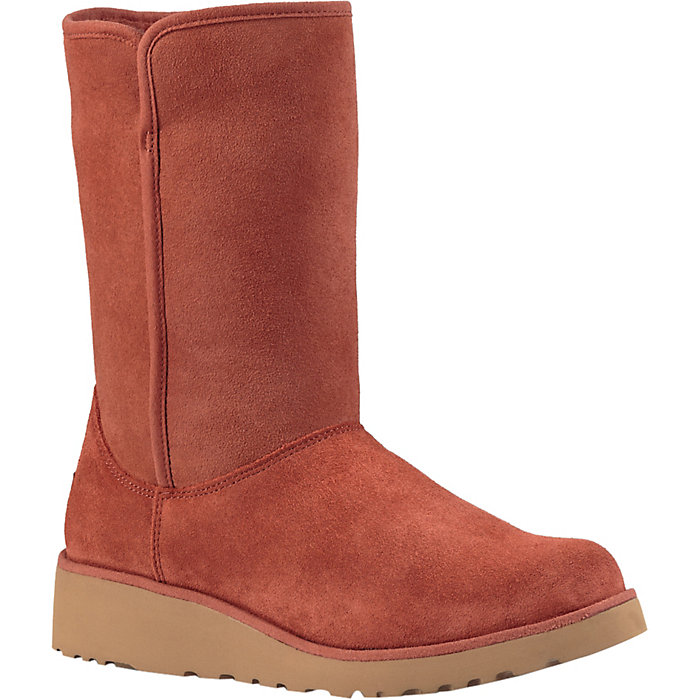58468600eb5ce Ugg Women s Amie Boot - Moosejaw