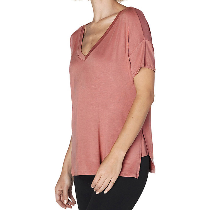 Pink Lei Medium Beyond Yoga Womens Side Splits V-neck Tee