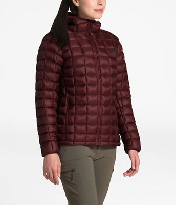 The North Face Women's Thermoball Super Hoodie- A puffy that keeps you warm without looking like the Michelin Man 2