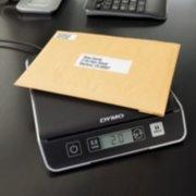 digital scale weighing envelope image number 2