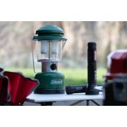 coleman twin LED lantern with flashlights image number 1