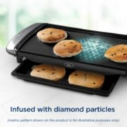 Oster® DiamondForce™ 10-Inch x 20-Inch Nonstick Electric Griddle with Warming Tray image number 2