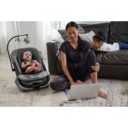 city sway™ 2-in-1 Rocker and Bouncer image number 7