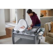 Pack 'n Play® Quick Connect™ Portable Seat DLX Playard featuring Rapid Remove image number 5