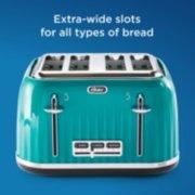 4 slice toaster in teal image number 3
