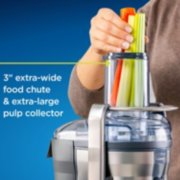 blender with 3-inch extra-wide food chute and extra-large pulp collector image number 2